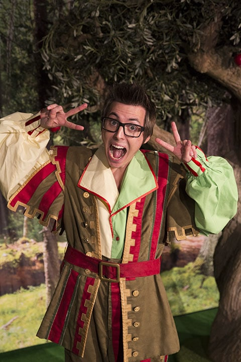 Snow White | New Victoria Theatre Woking 2016 | Photo: http://ww